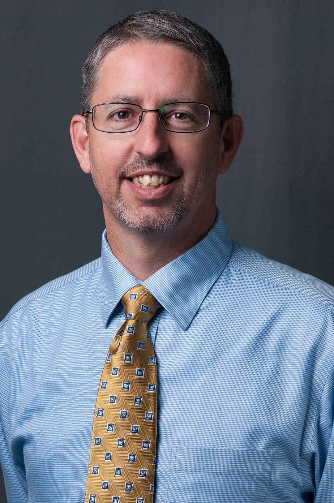 Kenneth Daniels Bio Image