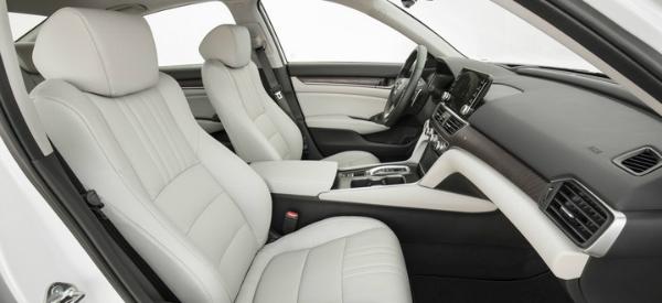 2018 Honda Accord front seats