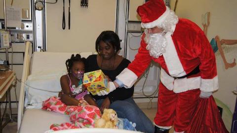 2011 Santa Visits the Children