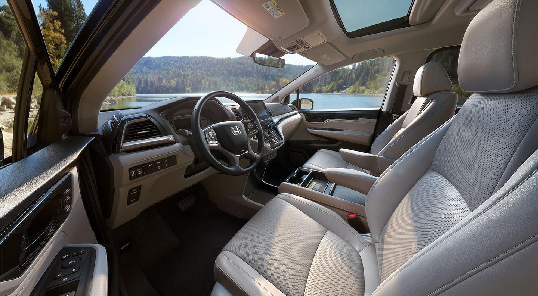2018 Honda Odyssey Elite interior