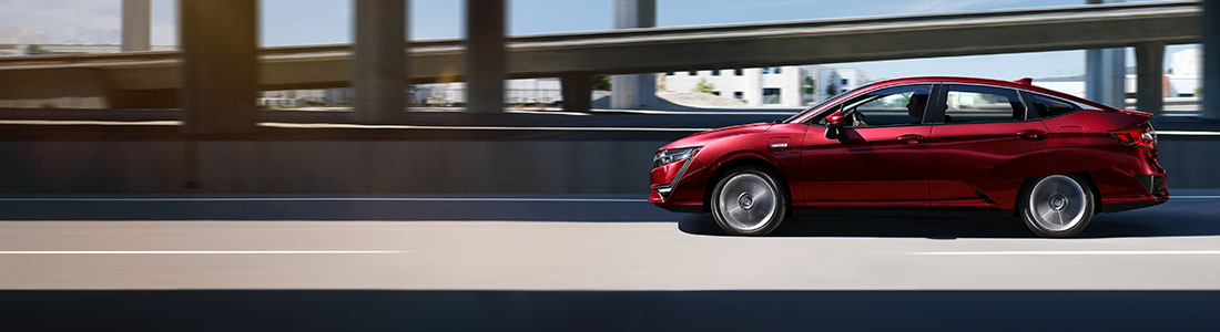 2018 Honda Clarity profile on freeway