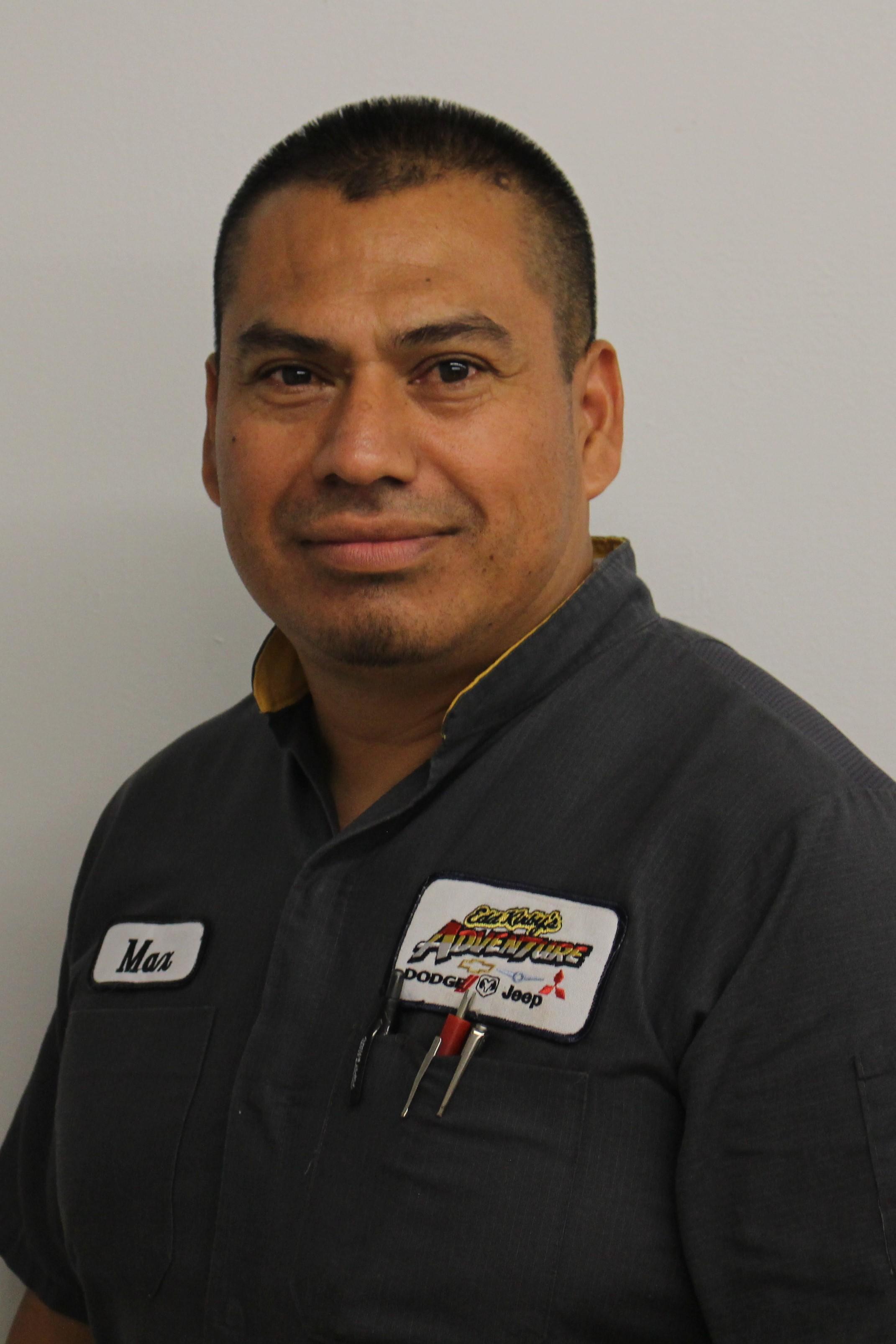 Max Pineda Bio Image
