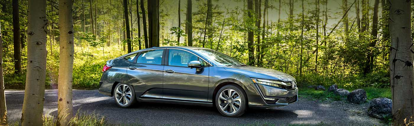 Explore the Honda Clarity's Plug-in Hybrid, Options