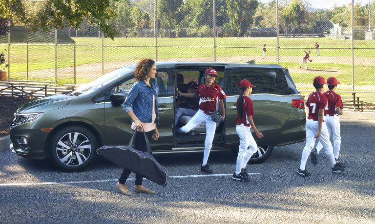 Green 2019 Honda Odyssey exterior