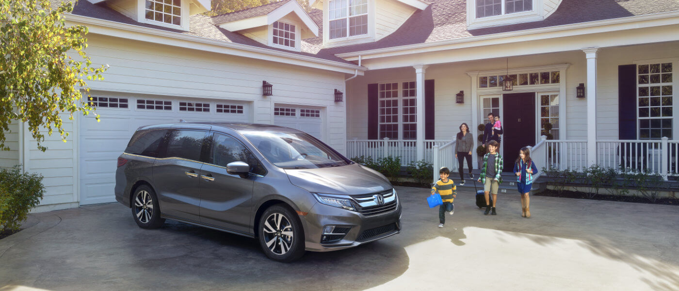 2019 Honda Odyssey near house