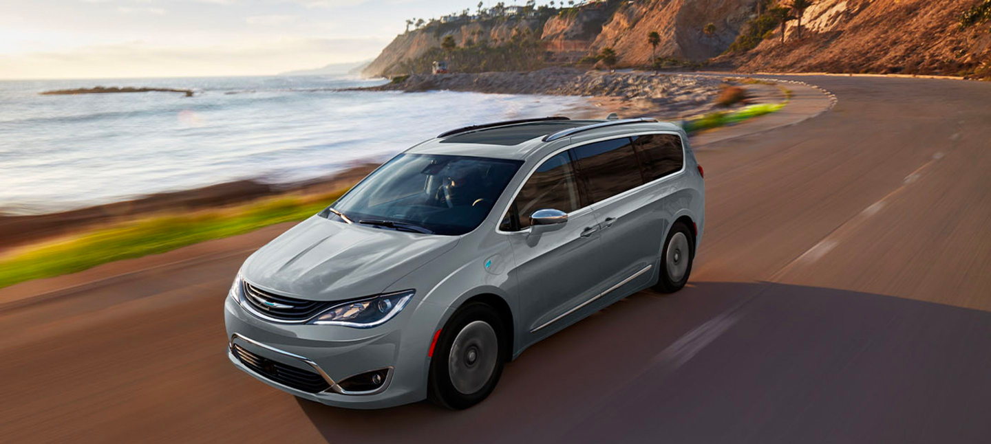 Meet the Efficient 2019 Chrysler Pacifica Hybrid in New Iberia, LA