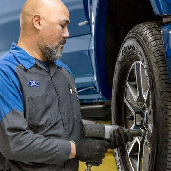 ford service pantechnicon tire work