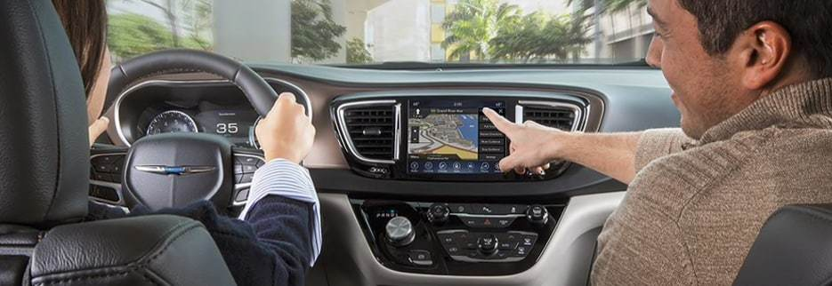 2019 chrysler pacifica interior navigation