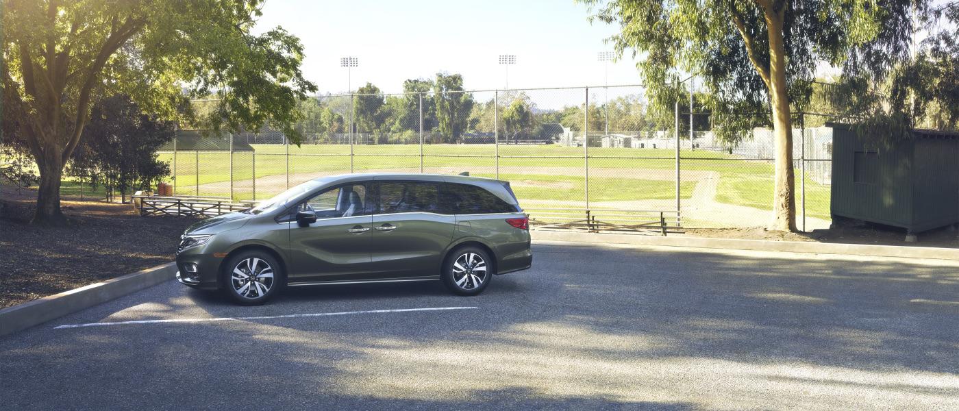 Green Honda Odyssey