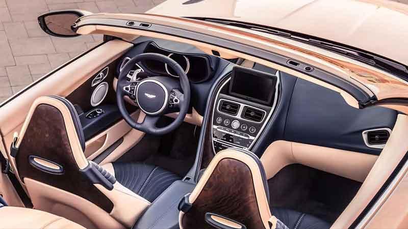 db11 volante interior
