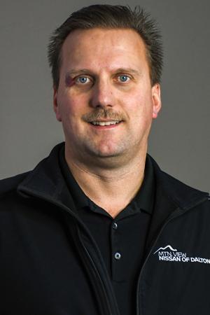 Adam  Hart  Bio Image