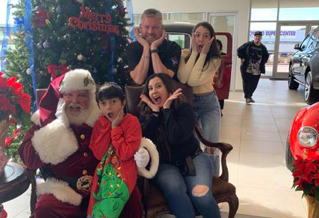 Santa and family doing Home Alone, after shave, scream face