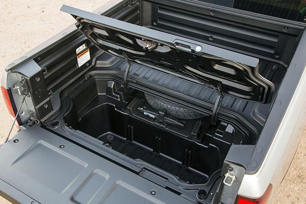 2020 Honda Ridgeline hidden cargo space in bed of truck