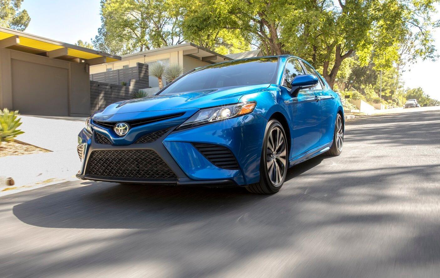 Toyota Camry Hybrid MPG
