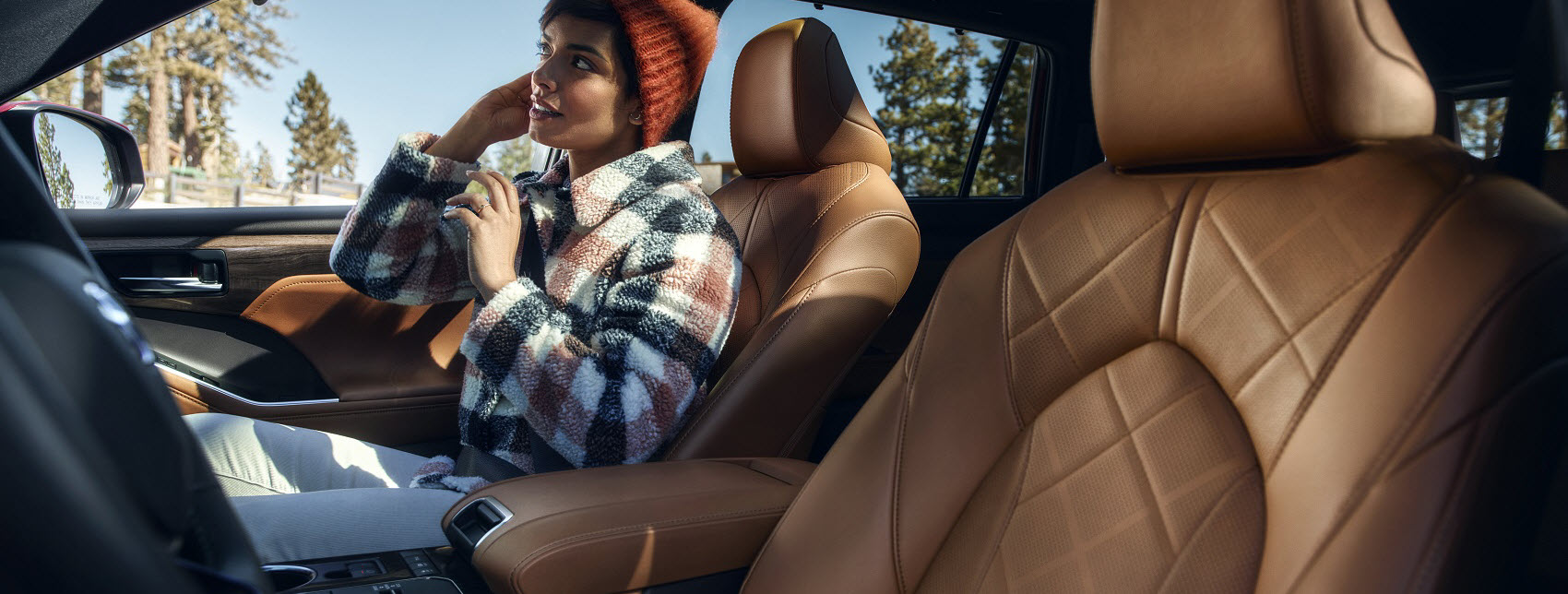 Passenger Space Inside a 2020 Toyota Highlander Hybrid