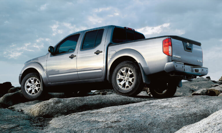 2020 Nissan Frontier exterior offroad parked on boulders