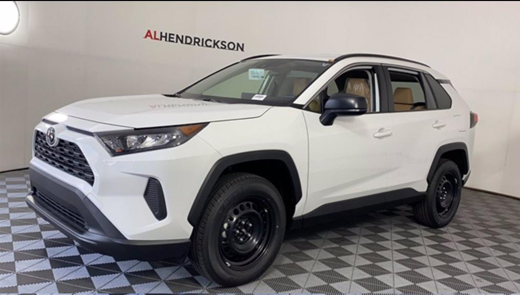 New 2020 Toyota RAV4 LE FWD