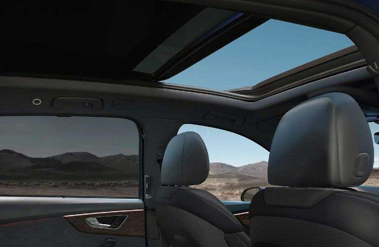 Sunroof in the 2021 Audi Q7