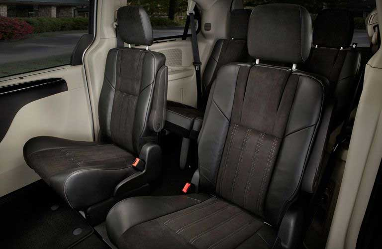Chrysler Town & Country second-row seats