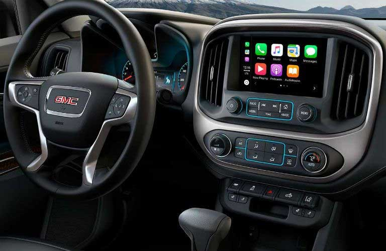 GMC Canyon dashboard features