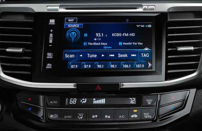 Touch Screen infotainment system of the 2017 Honda Accord