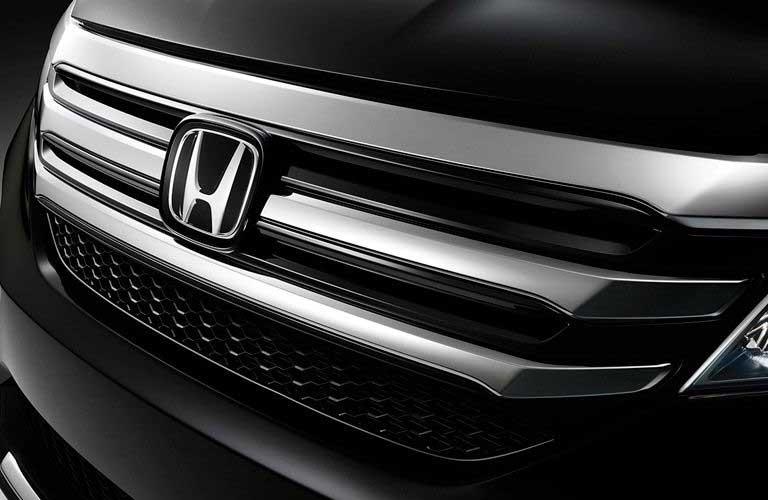 2016 Honda Pilot front close-up