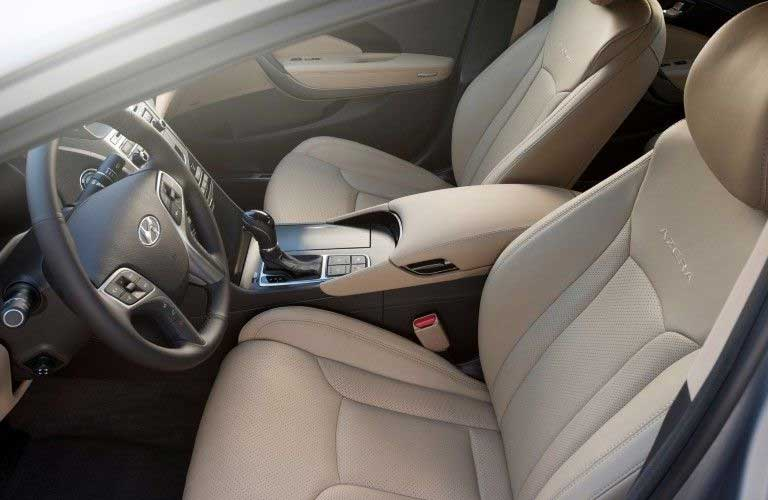 Front seats in the 2017 Hyundai Azera