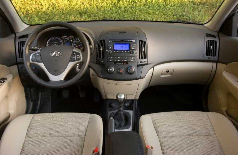 Front interior in the 2009 Hyundai Elantra Touring