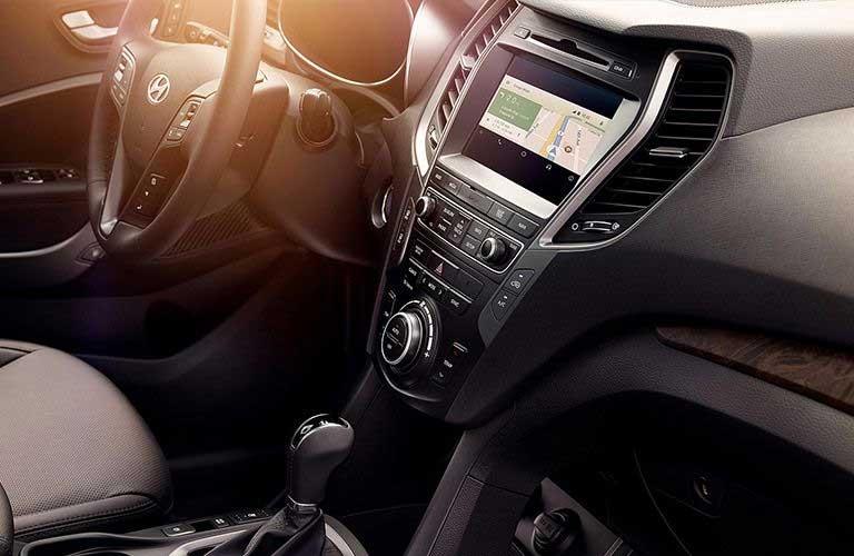 Hyundai Santa Fe dashboard features