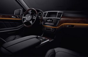 Mercedes-Benz GL-Class dashboard and steering wheel