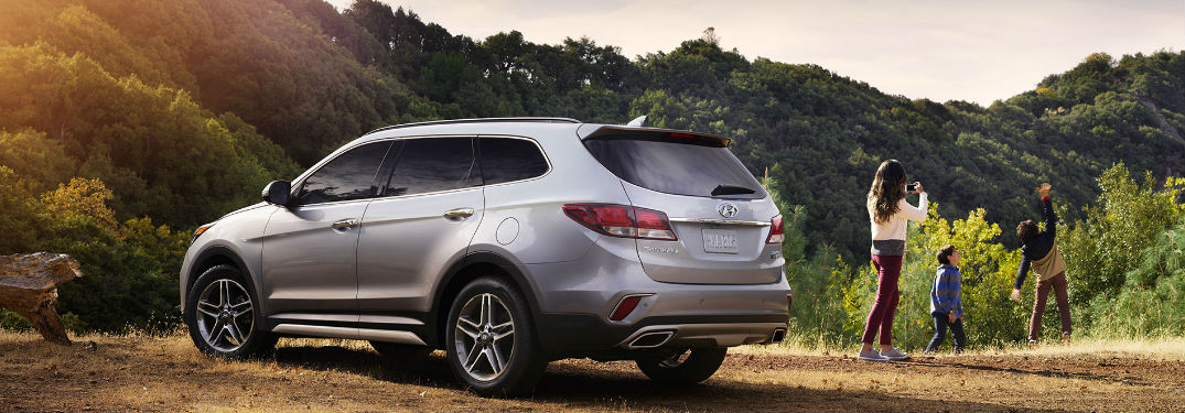 Innovative technology features and luxurious comfort features run wild in used Hyundai Santa Fe crossover SUV models
