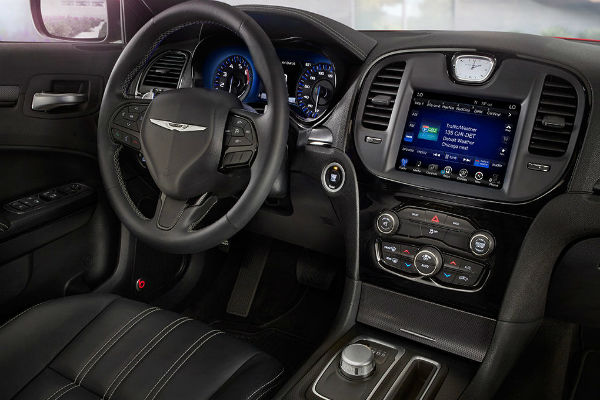 Chrysler 300 interior dashboard