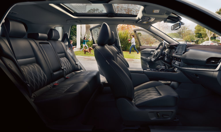 2021 Nissan Rogue interior side view of seating