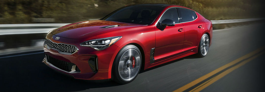 What colors does the Kia Stinger have?