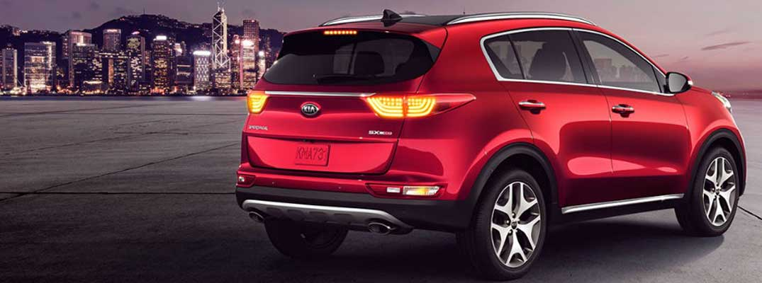 What comes standard on the 2019 Kia Sportage?