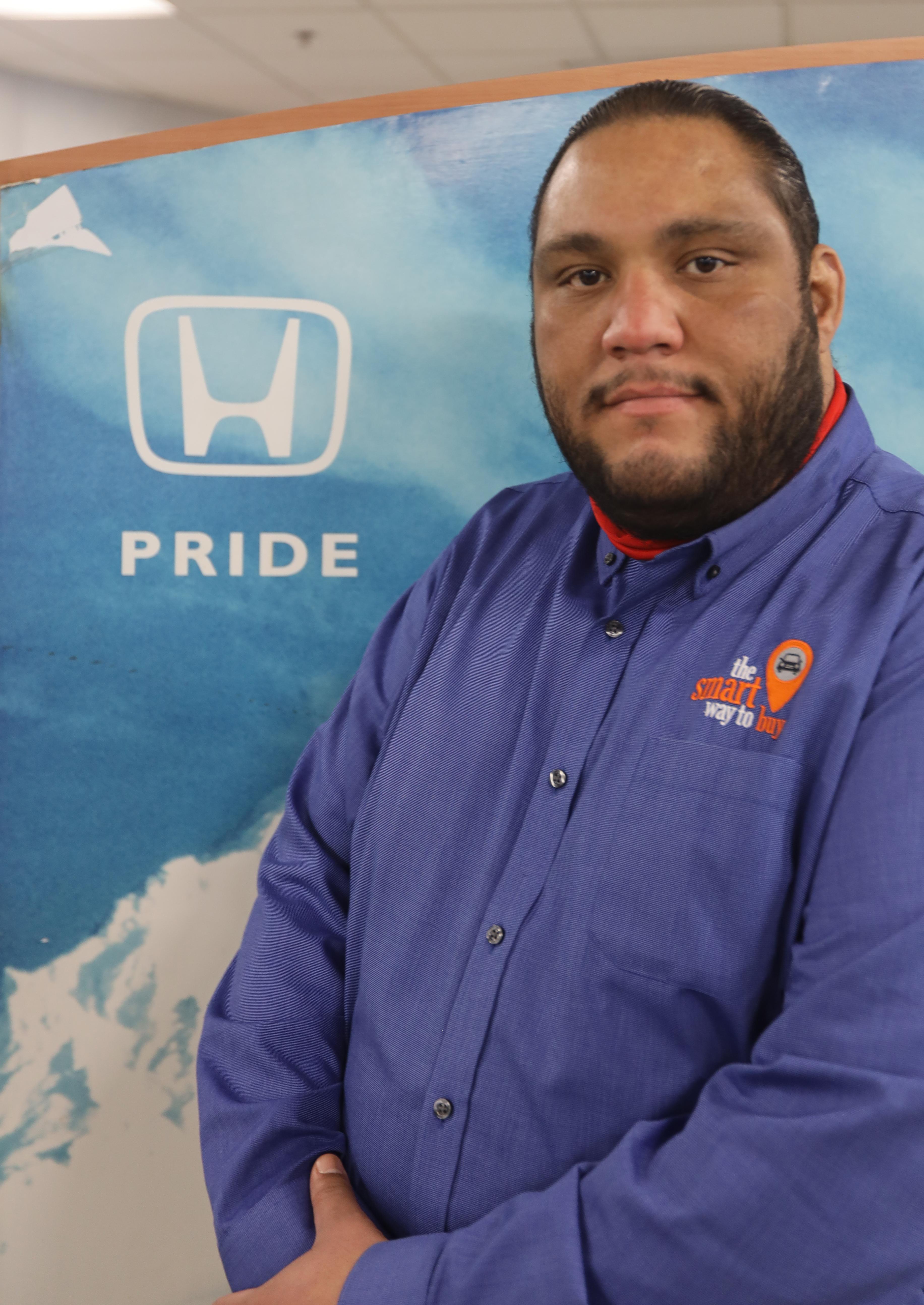 Victor  Santos Bio Image