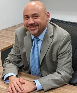 Julio Flores Bio Image