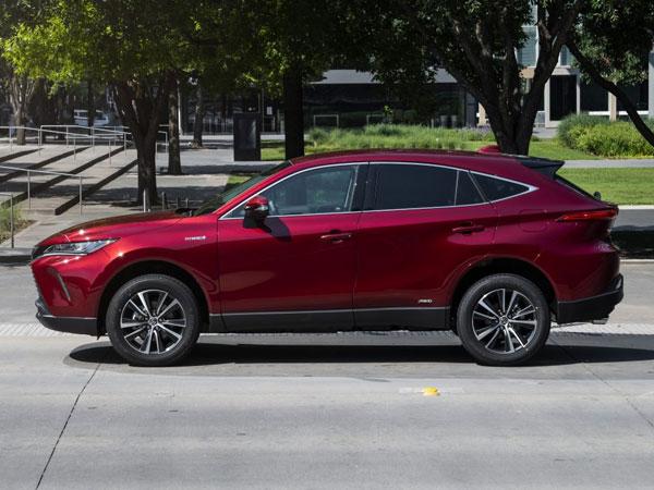 2021 Toyota Venza Side Angle