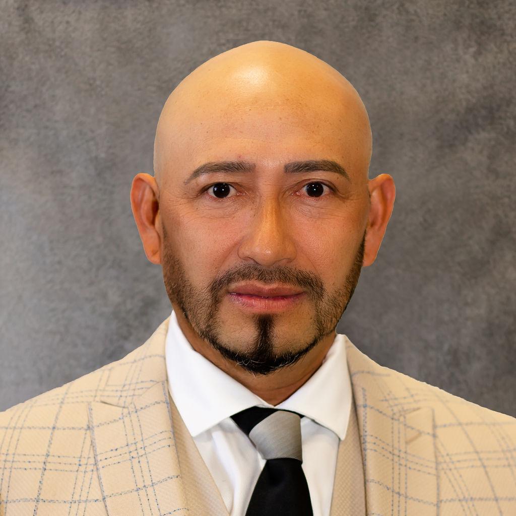 Javier Canales Bio Image