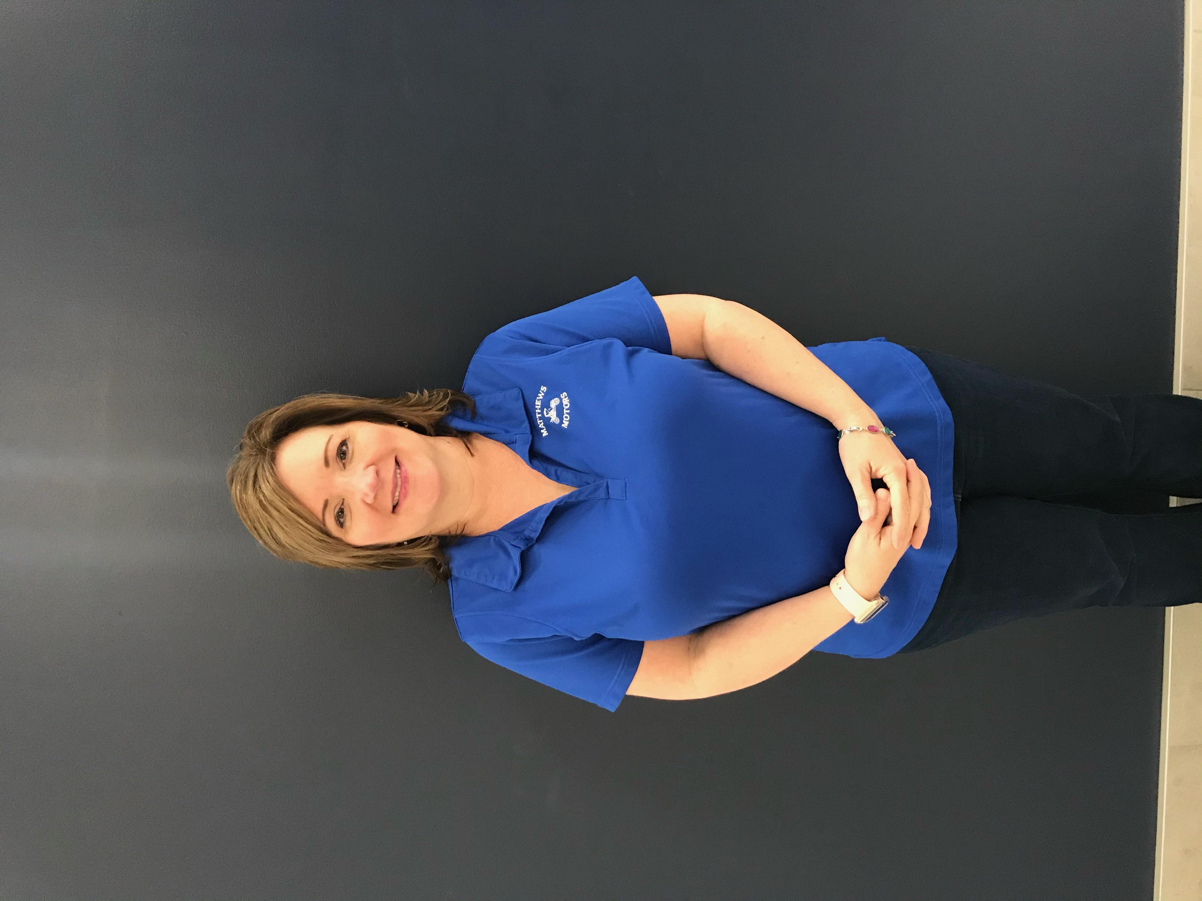 Gwen  Robbins  Bio Image