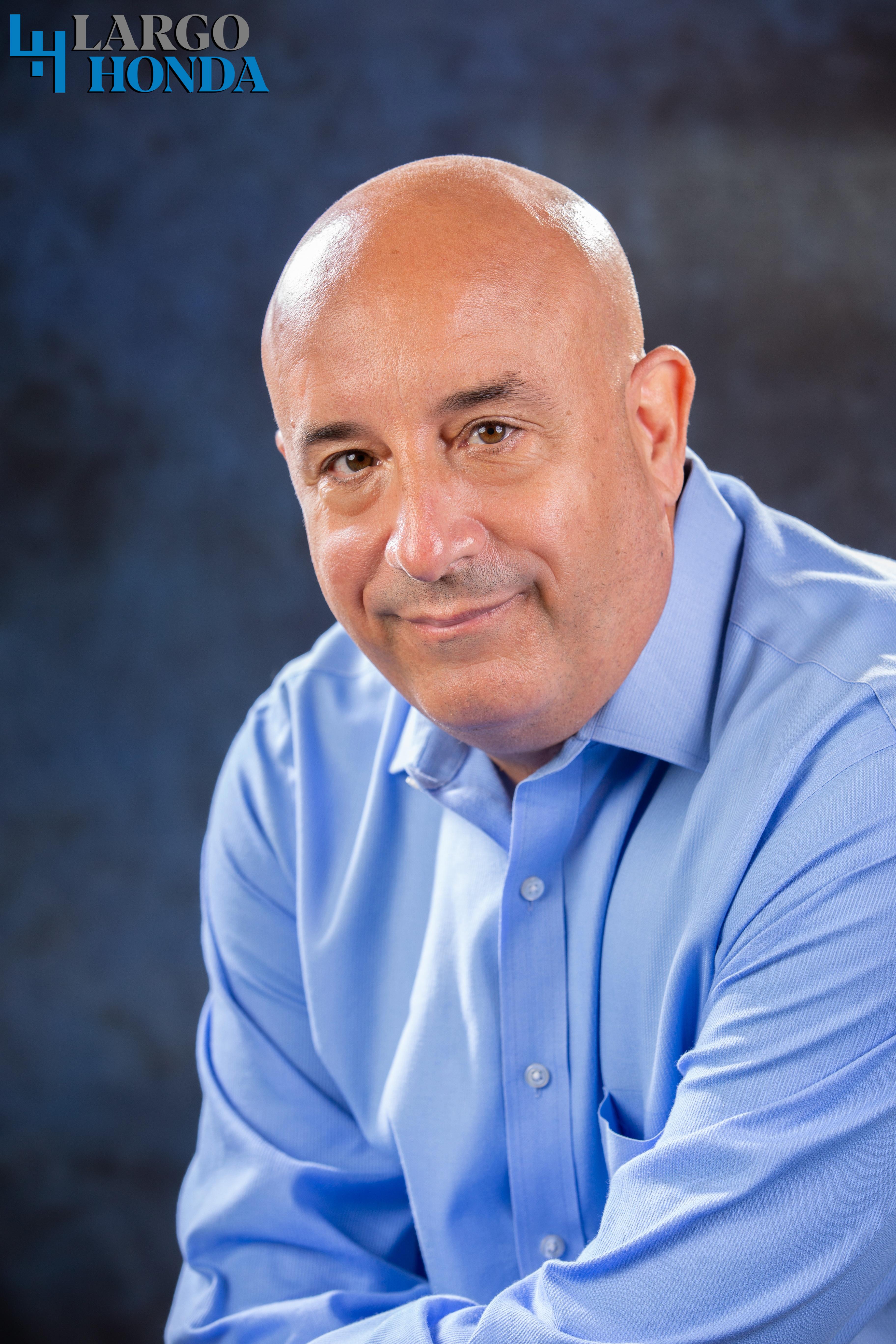 Gil Sardinas Bio Image