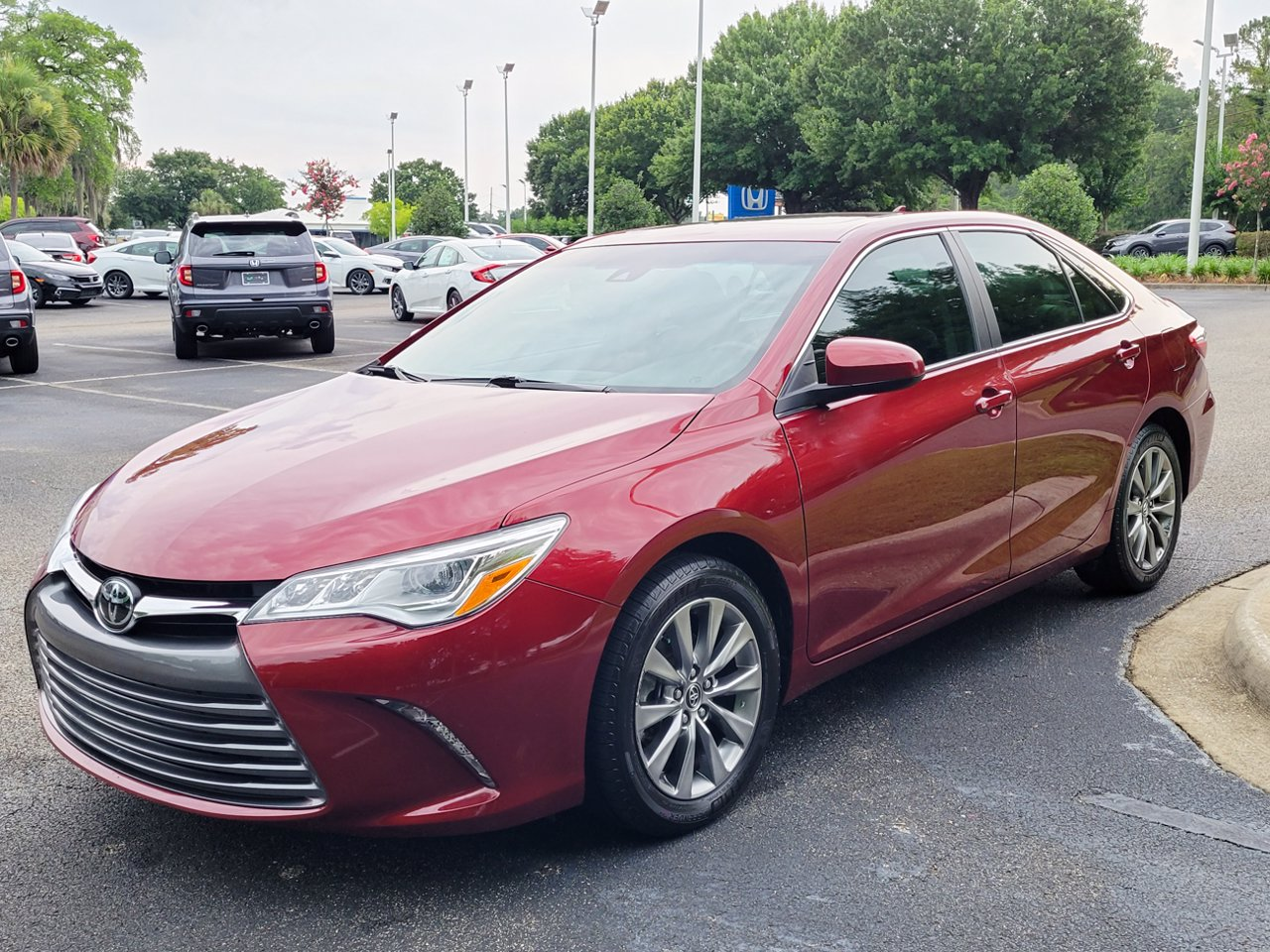 2016 Toyota Camry 4dr Sdn V6 XLE