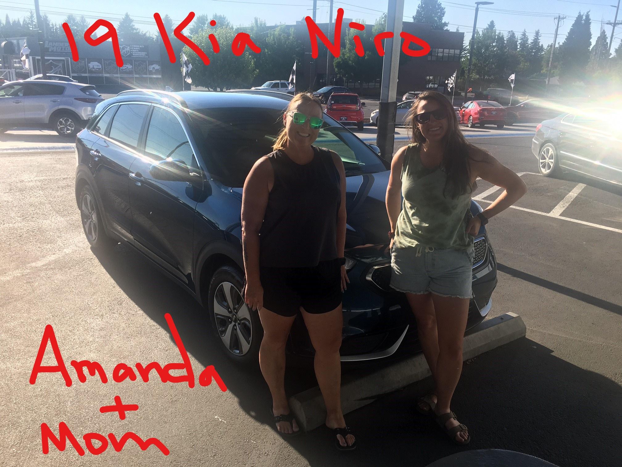 19 Kia Niro Amanda & Mom