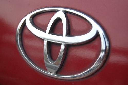 toyota logo red