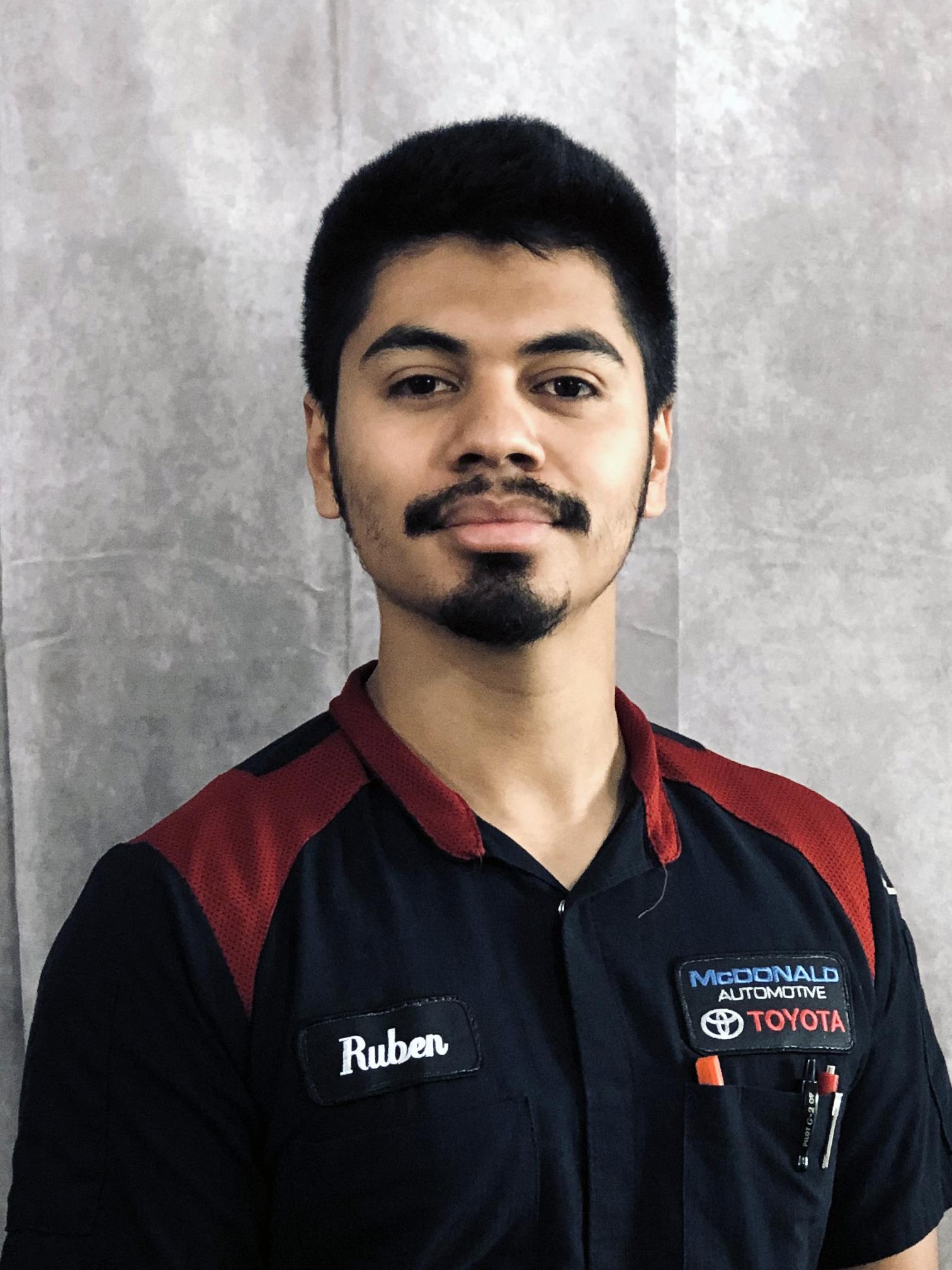 Ruben Tapia Bio Image