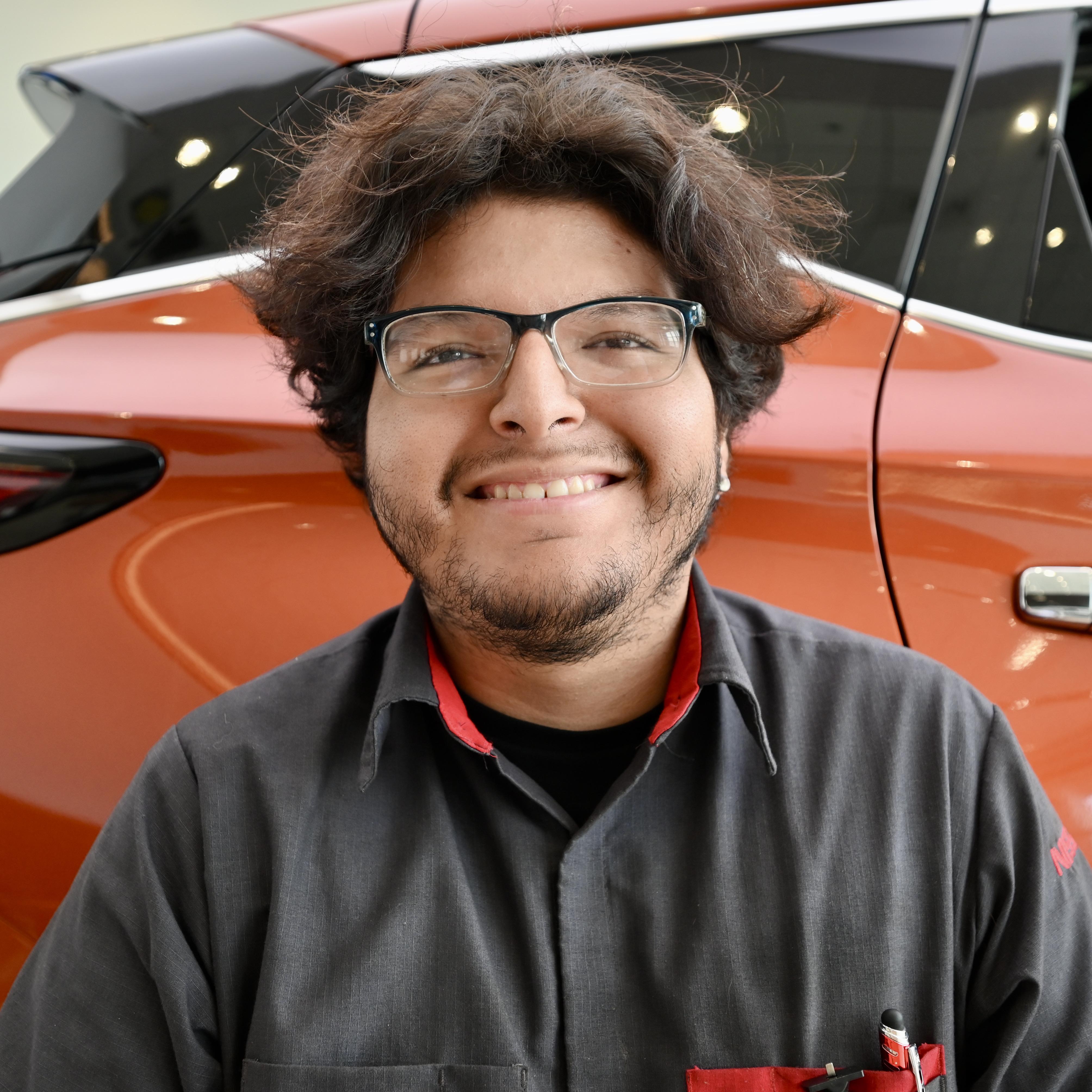 Alfred  Villalobos Bio Image